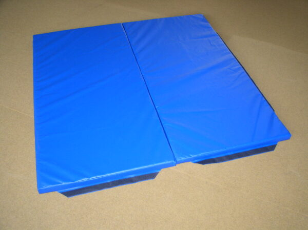 Gym mat with velcro wing attachment 200x100x6cm