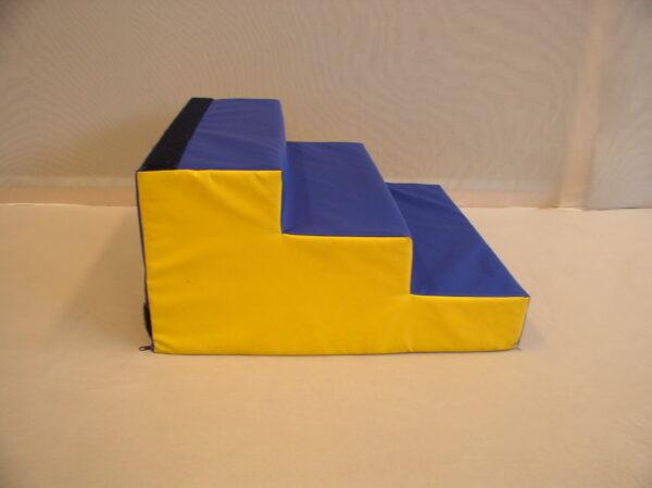 Trepp takjakinnitusega 60x60x30 cm